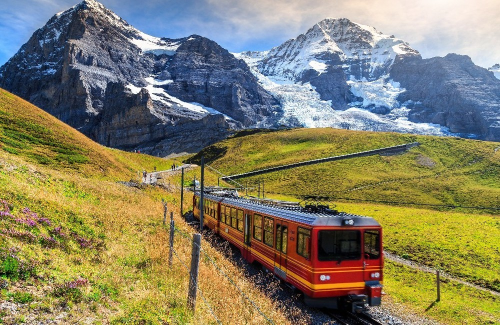 Switzerland by Rail: Golden Journey