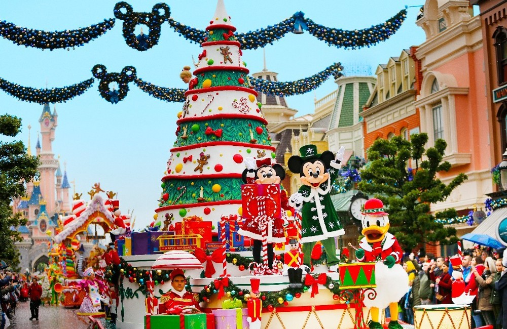 Disneyland Paris- Enchanted Christmas Season