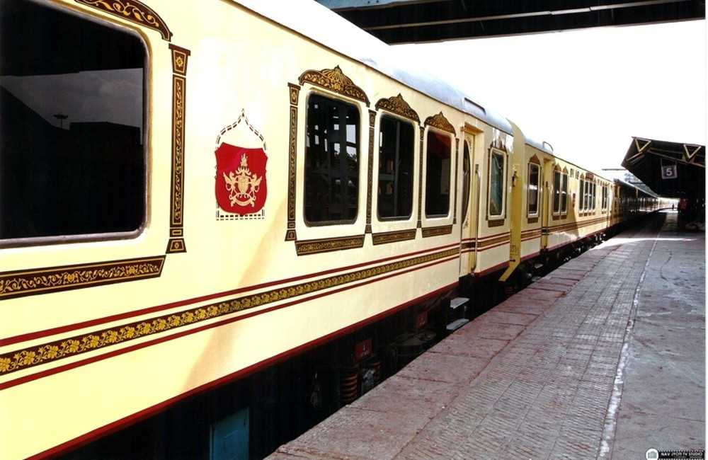 Palace on Wheels - Luxury Train Tour