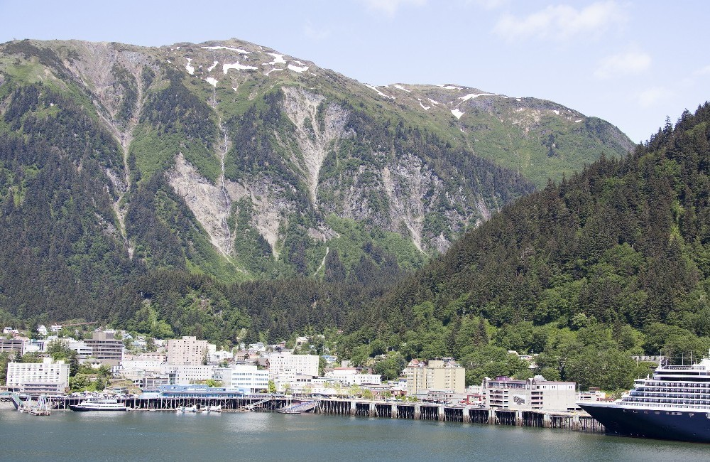 Awe of Alaska: Inside Passage & Glacier Bay Cruise and Seattle stay