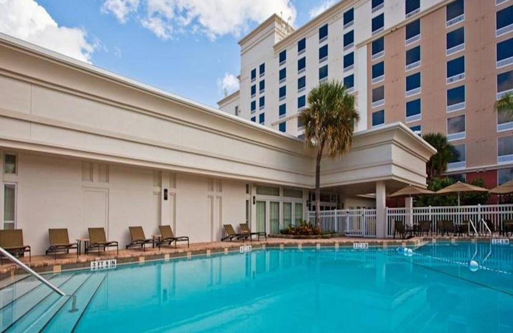 Orlando- 4* Holiday Inn & Suites